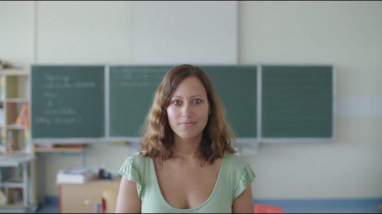 Frau McKoy unterrichtet an der Richtsbergschule in Marburg