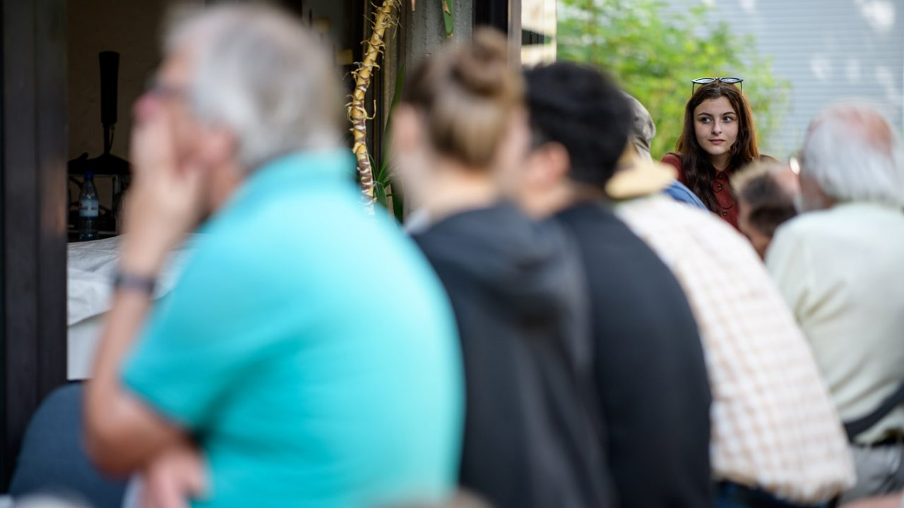 Etwa 121.000 Teilnehmer*innen des Evangelischen Kirchentags beleben die Stadt. Viele Veranstaltungen sind schnell ausgebucht.