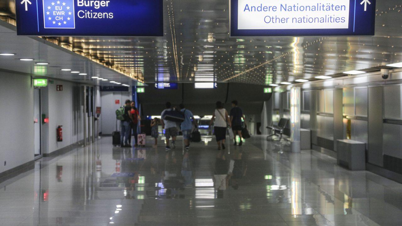 EU-Bürger Schild im Düsseldorfer Flughafen