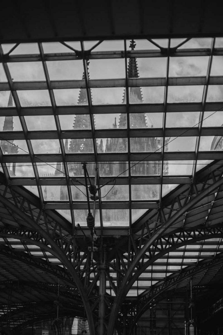 Der Kölner Dom aus der Perspektive des Kölner Hauptbahnhofs