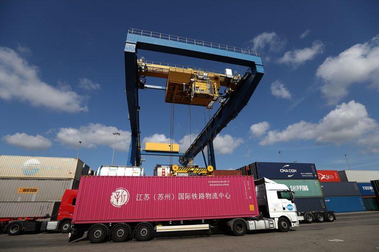 Im größten Binnenhafen der Welt: dem Duisport in Duisburg.