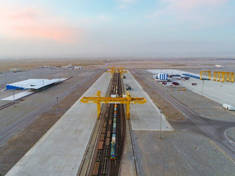 Das chinesische Unternehmen Dongfang Electric Corporation baut ein Kohlekraftwerk in Stanari, Bosnien und Herzegowina.