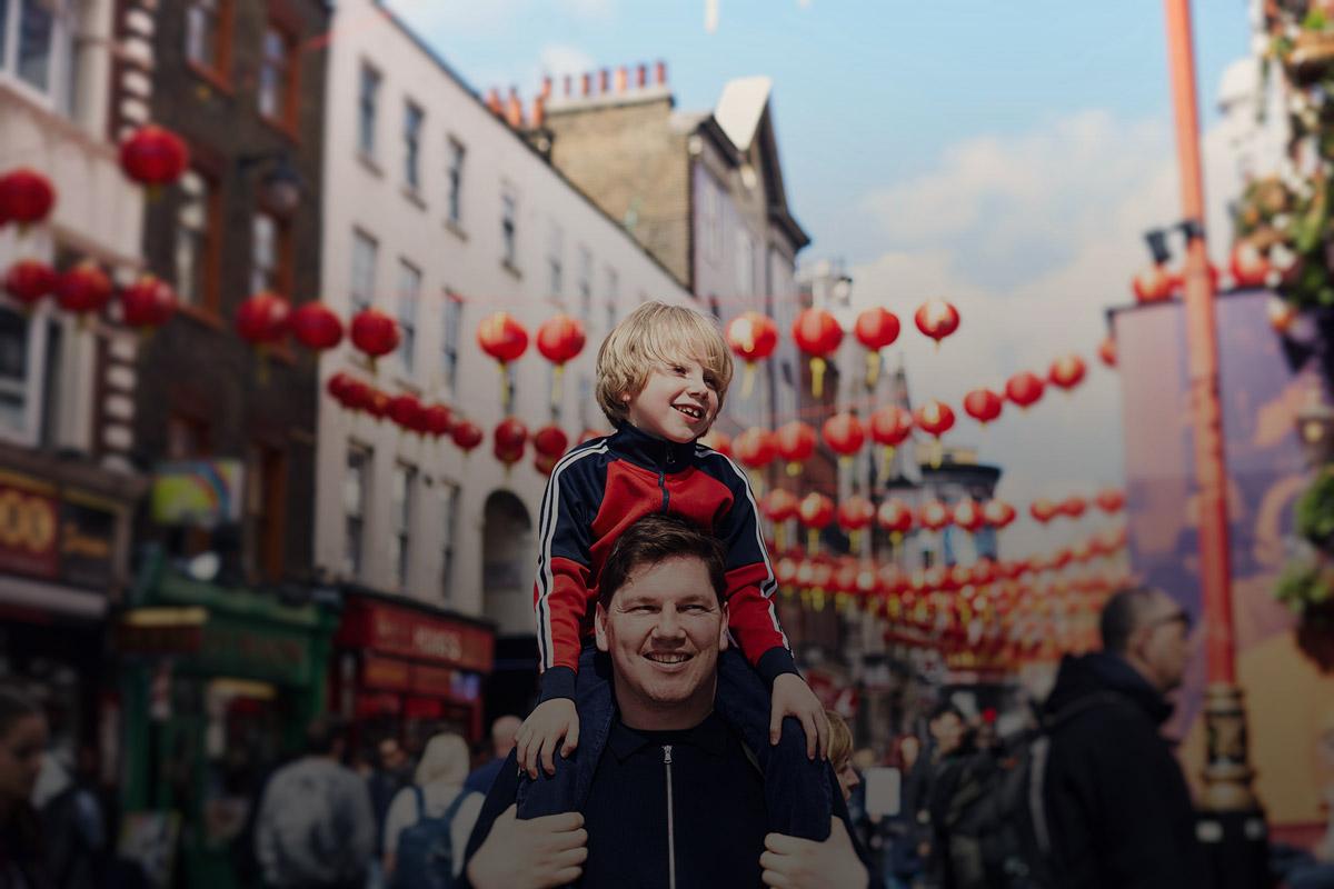 Vater mit Sohn in China Town