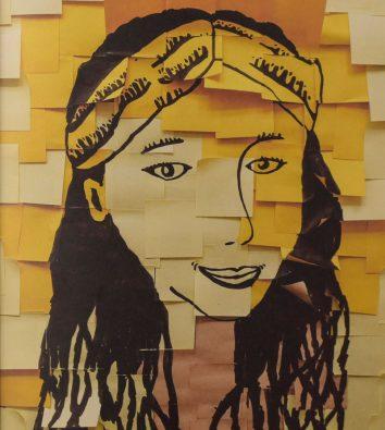 Mehrere Post-Its bilden eine Zeichnung eines Frauenkopfes mit einem Bandana im schwarzen, langen Haar.