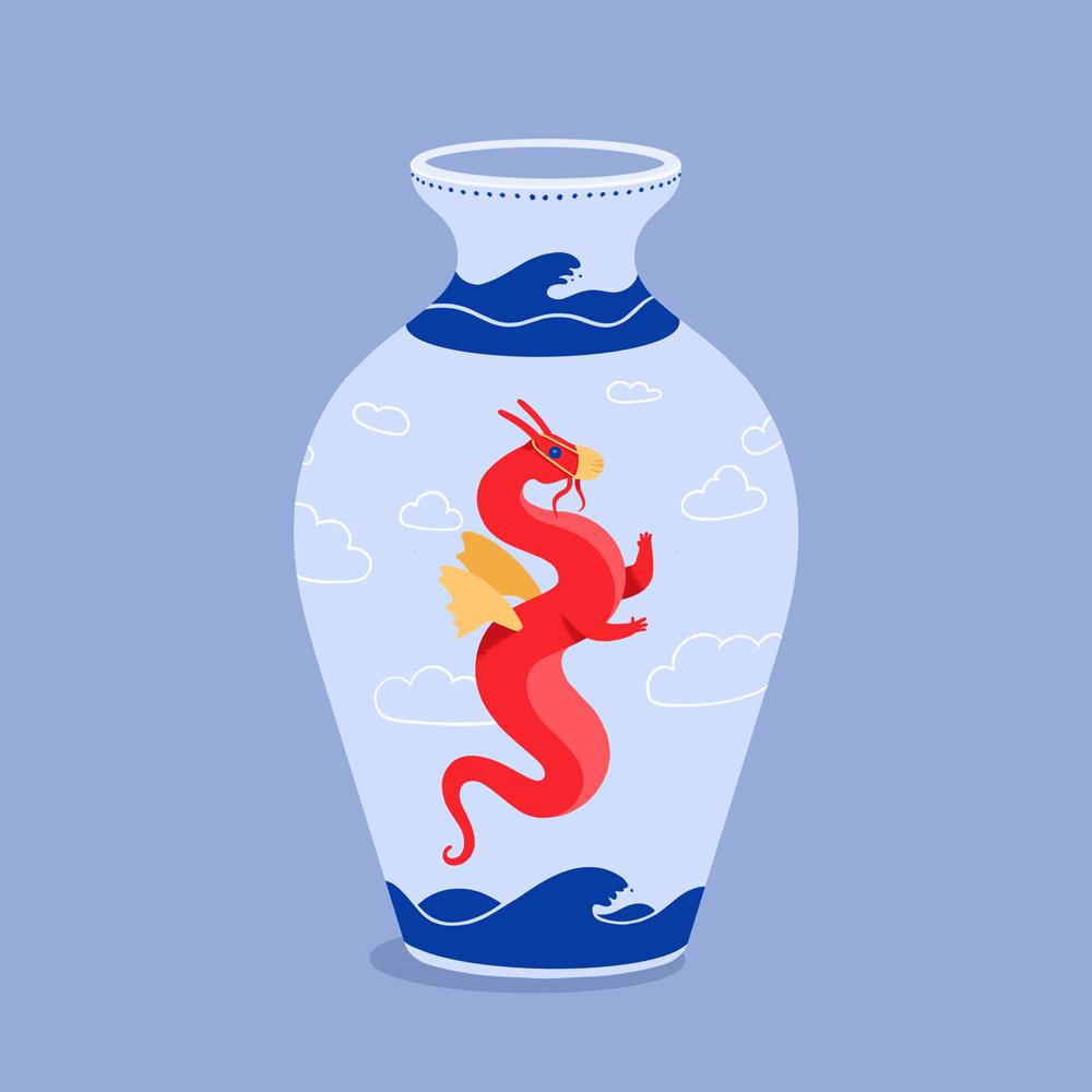 Eine hellblaue Vase, auf der ein roten Drache, Meer und Wolken abgebildet sind.
