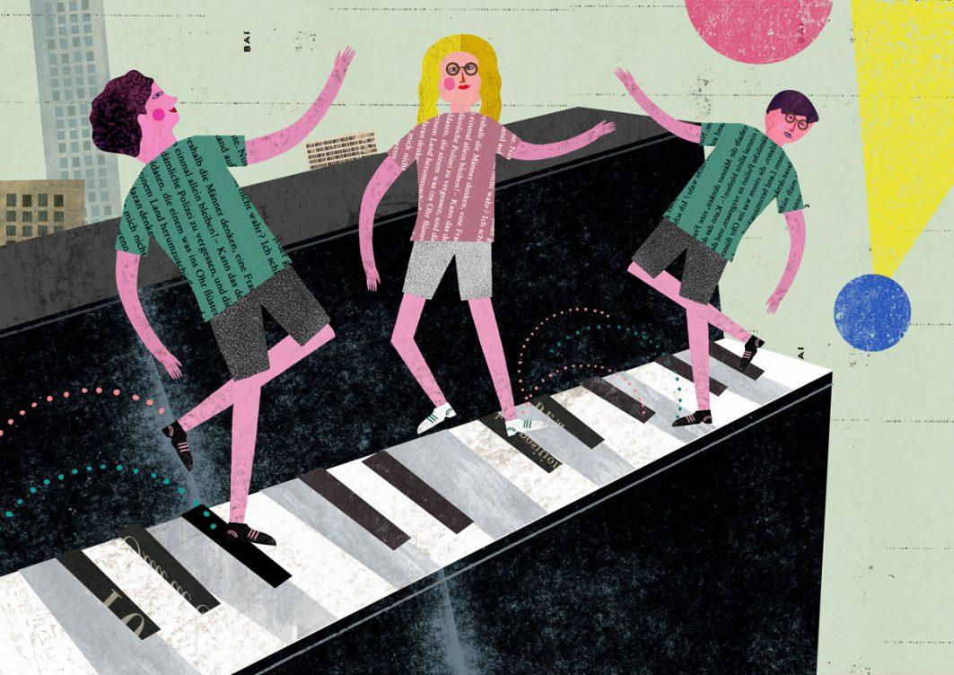 Zeichnung, auf der drei kleine Menschen auf einer Klaviertastatur tanzen. Ihr Oberteile bestehen aus ausgeschnittenen Textteilen. Im Hintergrund sind Hochhäuser zu sehen, Kreise und ein Dreieck.