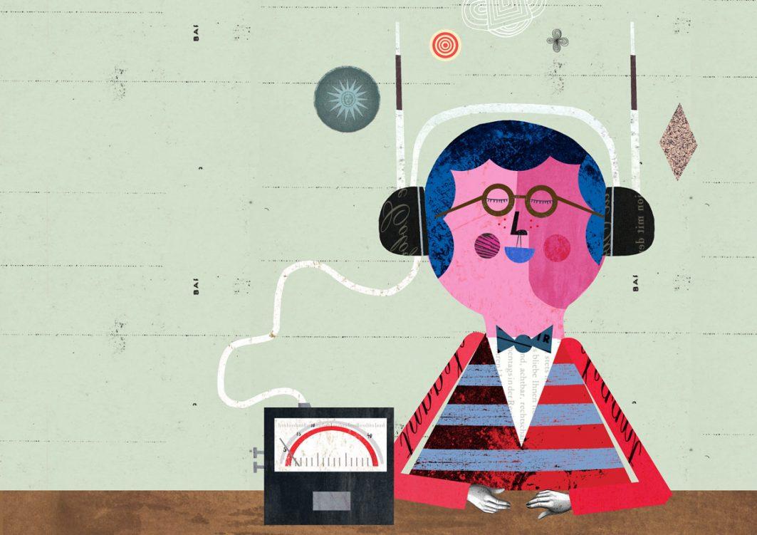 Eine Zeichnung mit einer brillentragenden Person, die mit geschlossenen Augen an einem Tisch sitzt und über ein Radio verbunden mit einem großen Kopfhörer mit Antennen Musik hört.
