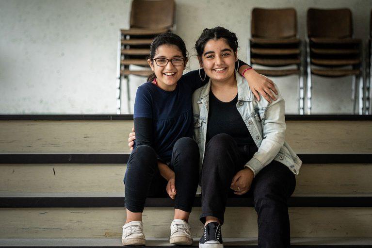 Die Schwestern Manar und Ikram machen beim Education-Programm des Klavier-Festival Ruhr mit.