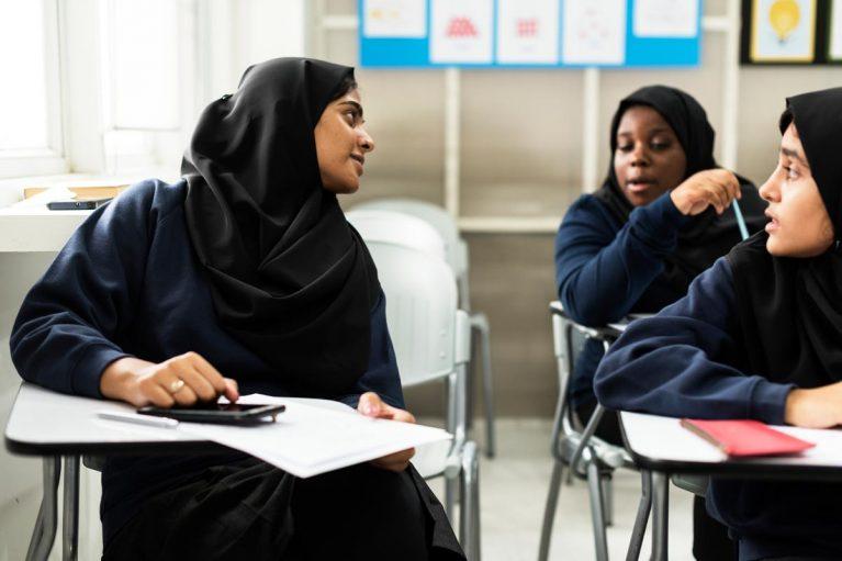 Frauen im Unterricht